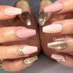 Маникюр розовый белый золотой – 21 потрясающий розово-золотой дизайн ногтей, который должна попробовать каждая девушка
