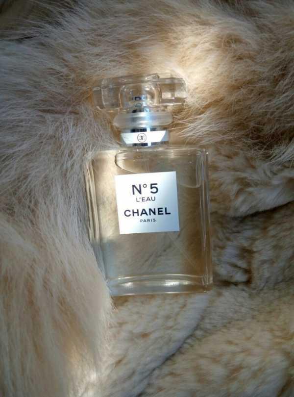 fe71ea91adf5 Это новый аромат, Chanel № 5 L Eau выпущен в 2016. Парфюмер Olivier Polge.  Верхние ноты  лимон, мандарин, апельсин, нероли и альдегиды.