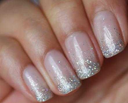 Россыпь блесток на ногти