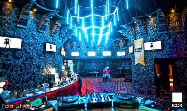 Самые большие клубы москвы ночные работа бармена в москве в ночном клубе