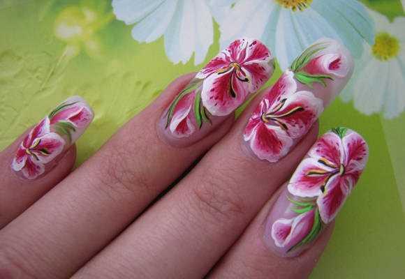 картинки лилии на ногтях которые раньше охраняли